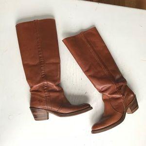 Frye Shoes - HP VINTAGE FRYE COGNAC BOOTS SIZE 6.5